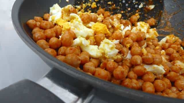 This is such an easy egg and chickpea salad recipe with boiled eggs and red curry, a great side for lamb or pork chops...