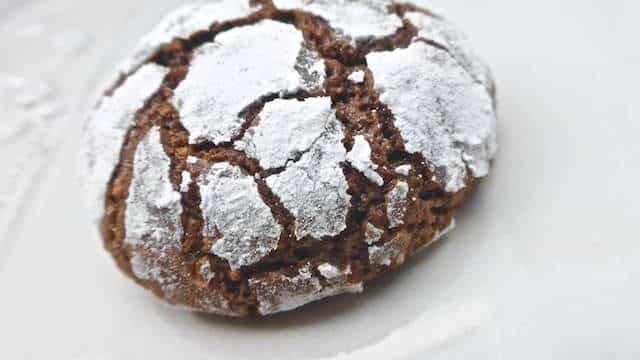 My chocolate crackle cookies... One of the most easy peasy cookie recipes I've ever made! And the cutest afternoon snack too...