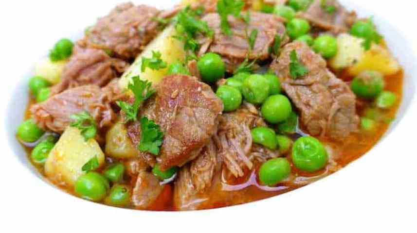 You love a good stew but it's too hot outside for heavy food? This ginger beef stew might be the solution to your dinner dilemma!