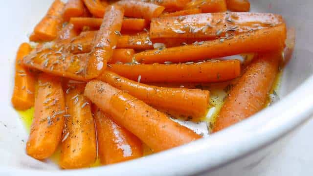 Nope, there's no sugar involved in this glazed carrots recipe but beer: Guinness! That and the balsamic vinegar make it so savory.