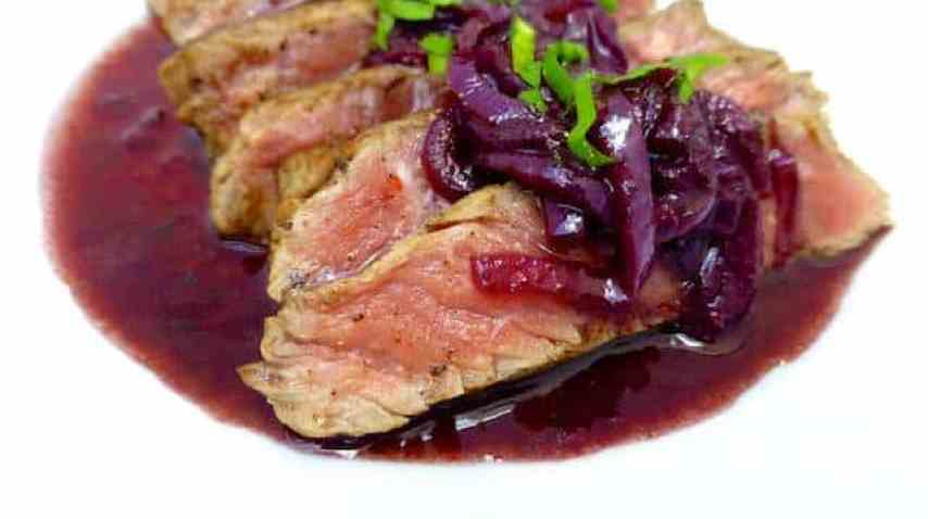 Succulent marchand de vin wine sauce, a traditional French steak sauce recipe with fresh shallots and red wine... Delicious!