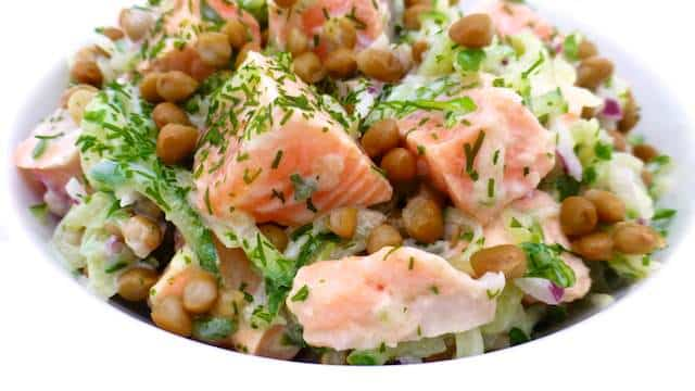 My leftover cooked salmon salad Recipe with cucumber, yogurt, lentils and mint! This is a fresh and wholesome lunch salad!