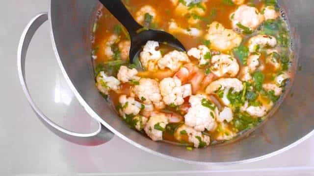 Here is a flavorful shrimp soup recipe with saffron and crunchy cauliflower florets in a delicious homemade shrimp stock...