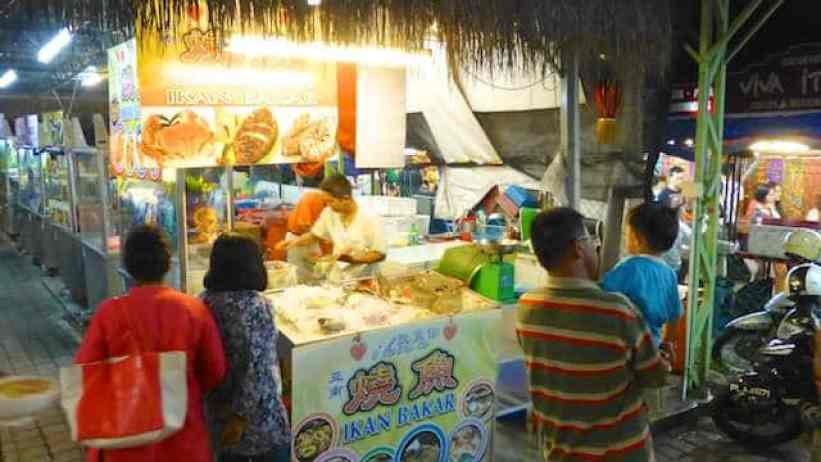 What to eat for dinner at the night food stalls of I Love You Cafe Batu Ferringhi... So many dishes to choose from! Let me help you decide.