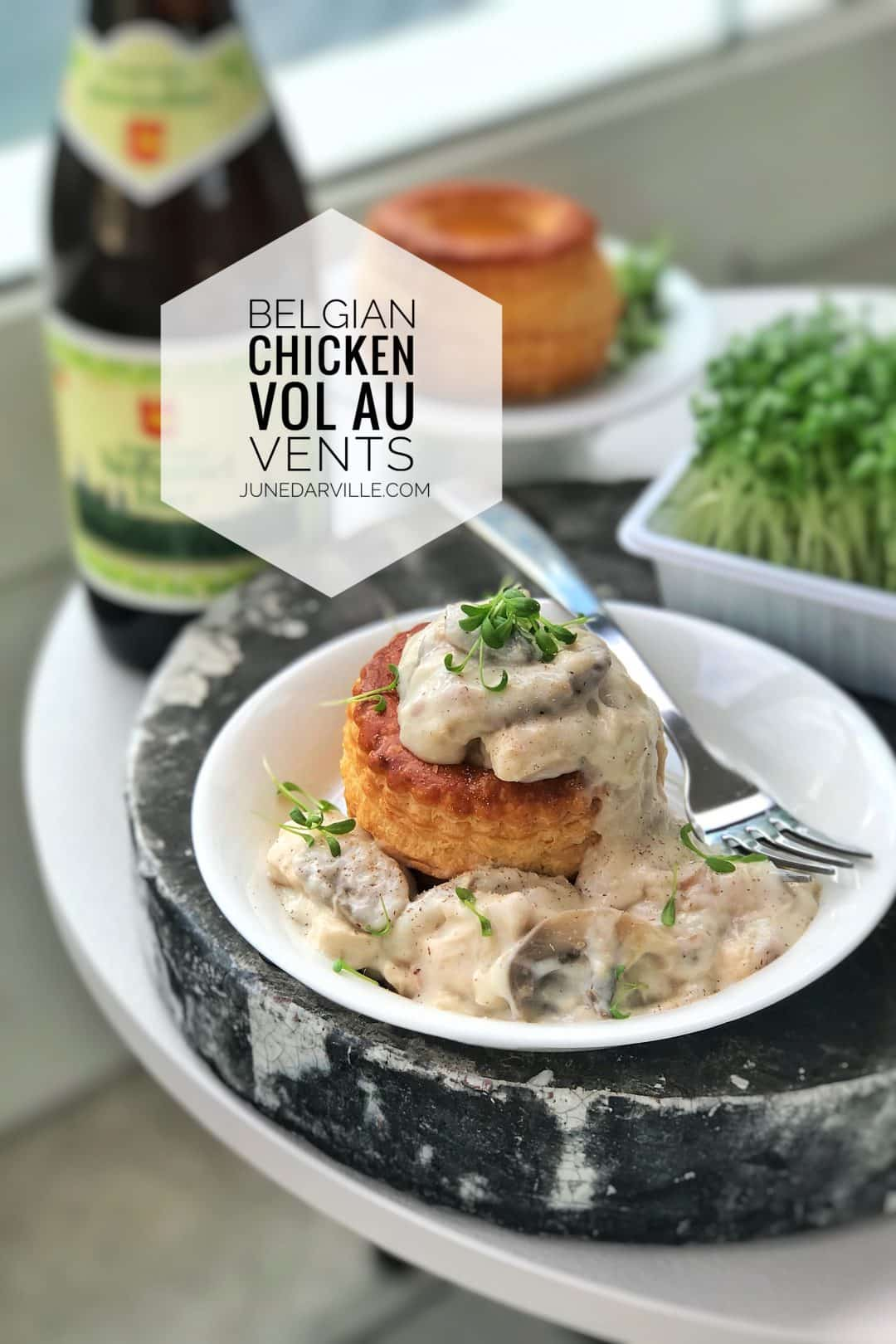 Savory Belgian chicken vol au vents: shredded chicken with veal meatballs and mushroom in a creamy white sauce... Classic!
