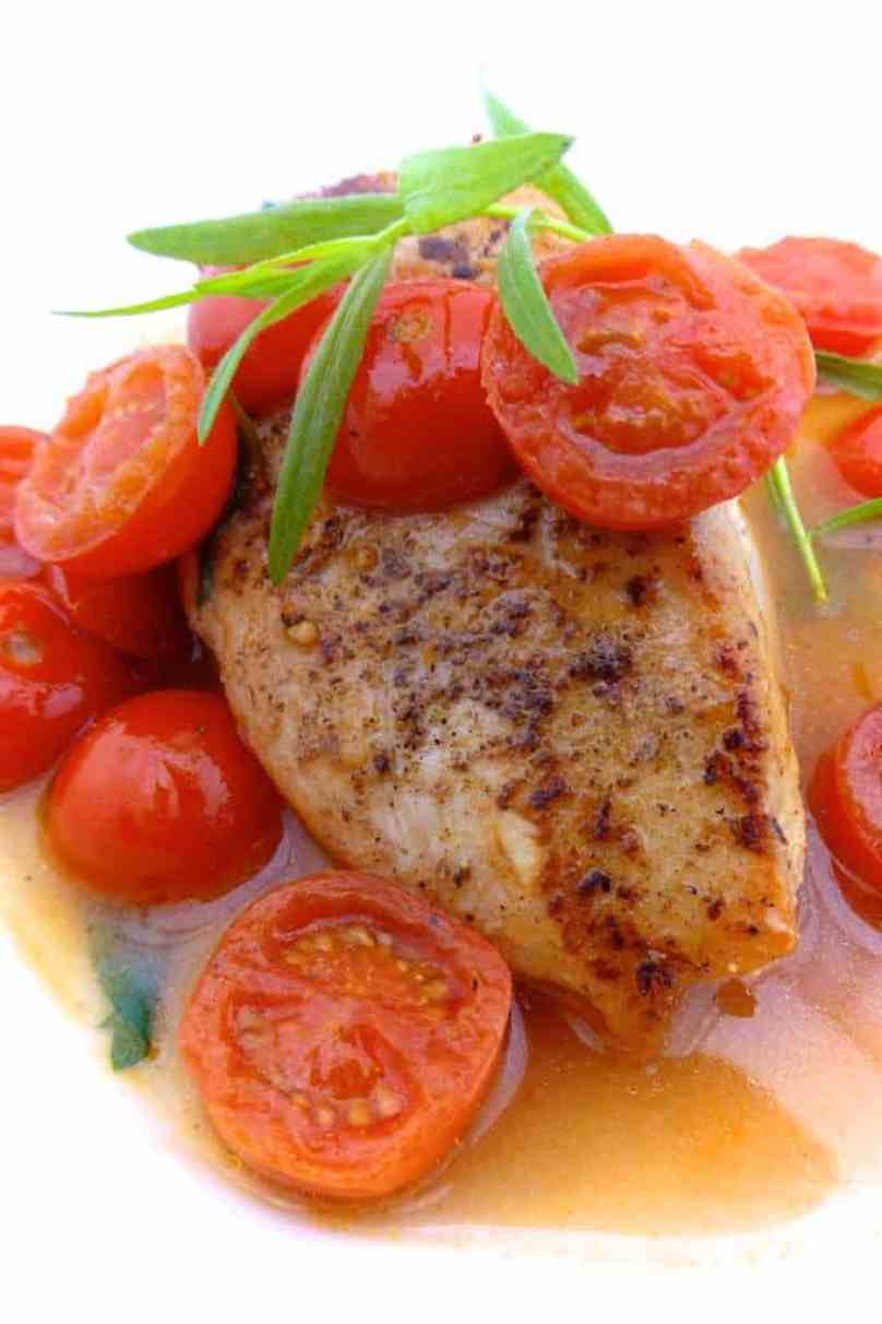 Juicy vinegar chicken with tomatoes and fresh tarragon! This sounds like a great idea for your next chicken dinner... Enjoy!