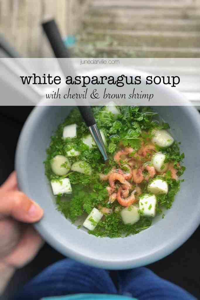 Homemade asparagus broth with fresh chervil and brown shrimp... This crunchy white asparagus soup recipe is a Belgian delight!