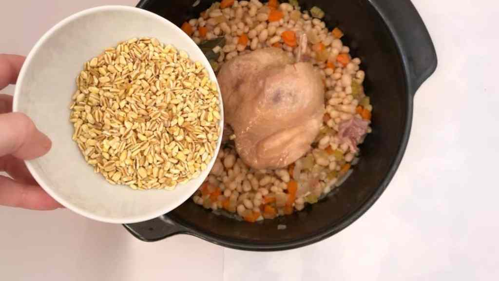 Check out this chunky cholent, a Jewish bean stew prepared my way! With shredded confit duck and wheat berries... Delicious!