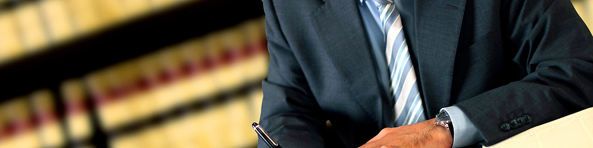 Dr. Andrews Junhi, advogado especializado em Direito Trabalhista, Direito da Família, Cívil e Criminal
