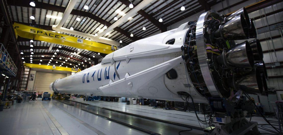 Image de mise en avant montrant une fusée SpaceX pour l'article de l'ESO
