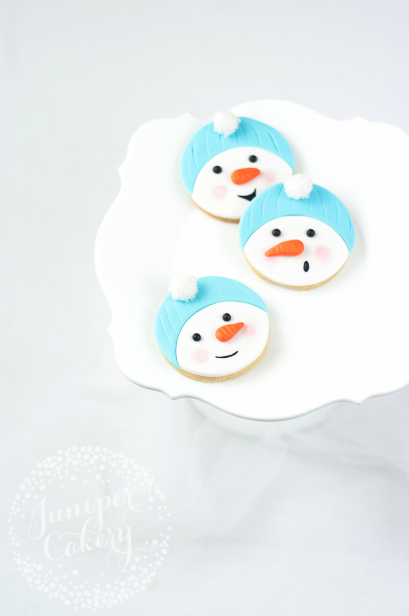 How to make super cute snowman cookies for Christmas parties