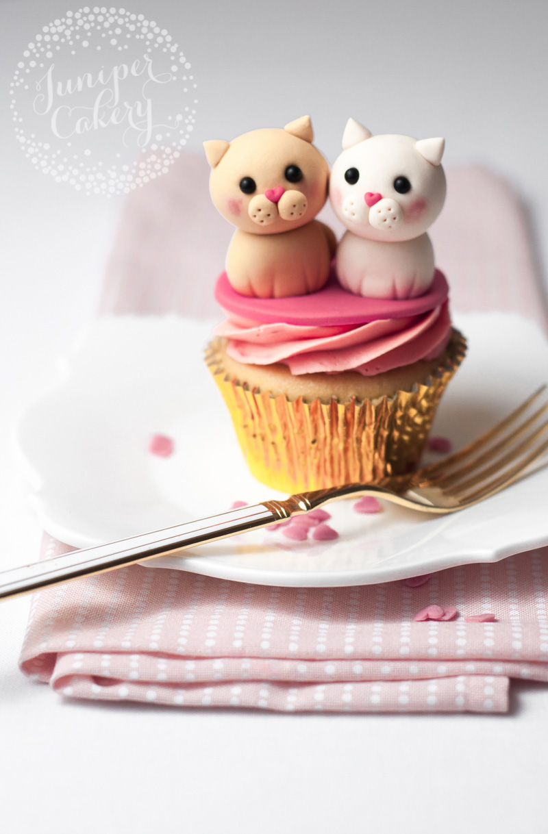 Valentine cupcake tutorial by Juniper Cakery