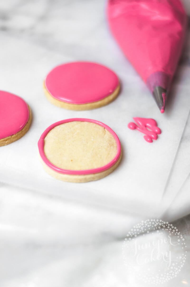 How to make easy Halloween sugar cookies