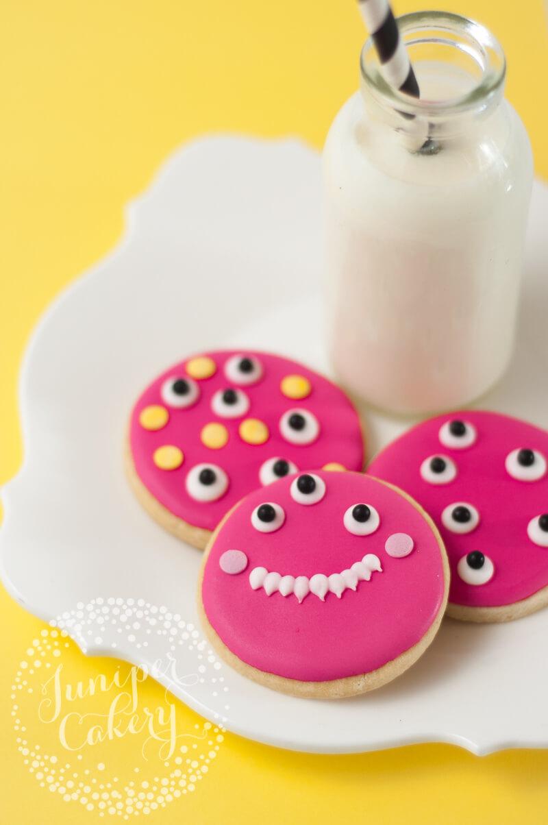 Monster cookies tutorial for Halloween