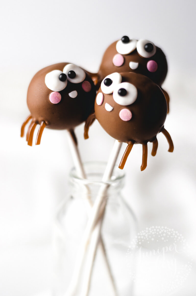 Cool spider cake pop tutorial