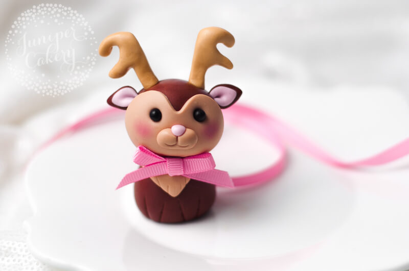 Make an adorable fondant reindeer