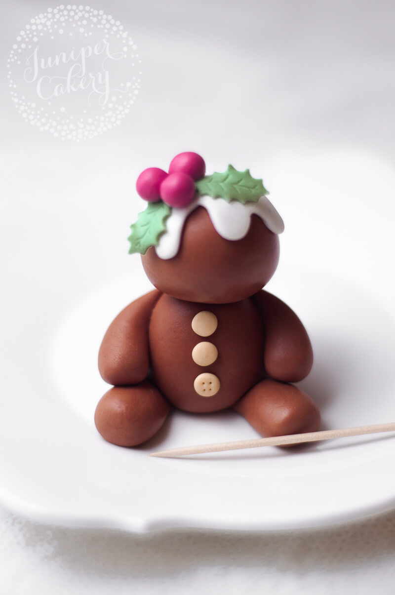 Fondant gingerbread topper tutorial from Juniper Cakery