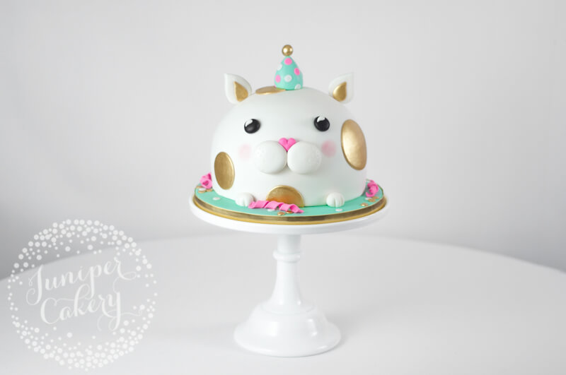 Cute cat birthday cake by juniper Cakery