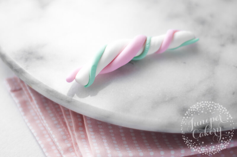 How to marble pastel fondant