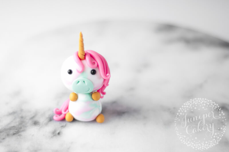 Cute little fondant unicorn cupcake topper tutorial from Juniper Cakery