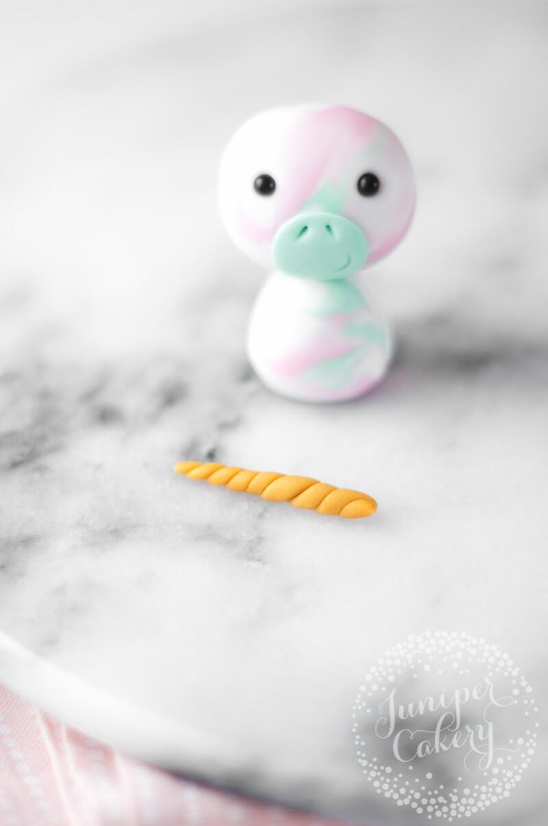 How make a sugar paste unicorn by Juniper Cakery