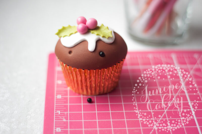 Try this Christmas pudding cupcake tutorial by Juniper Cakery