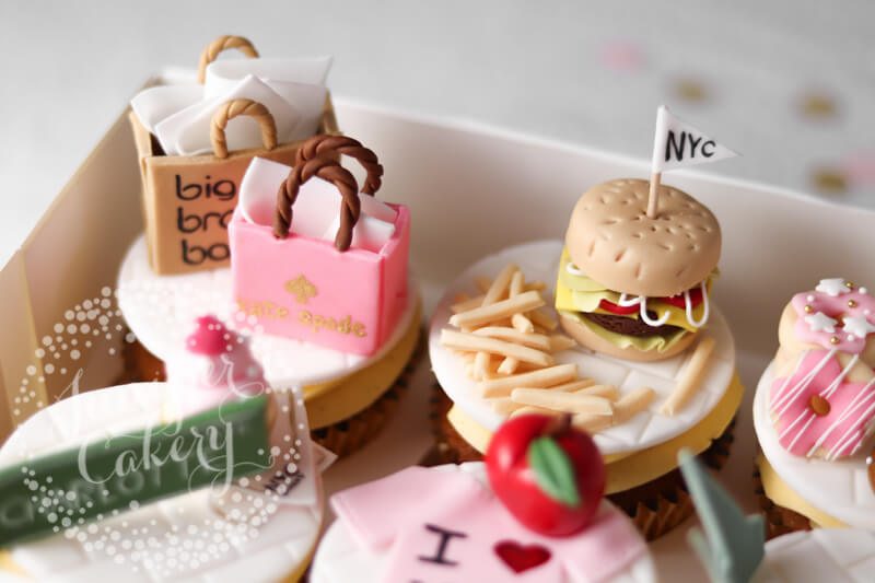 New York City themed cupcakes by Juniper Cakery