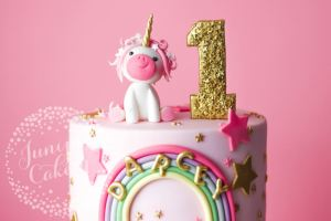 Pretty in Pink Unicorn Birthday Cake!