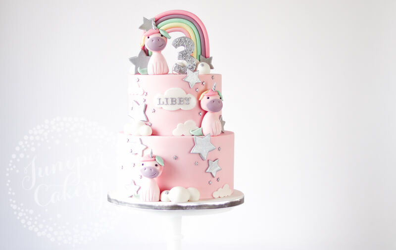Cute pastel unicorn cake by Juniper Cakery