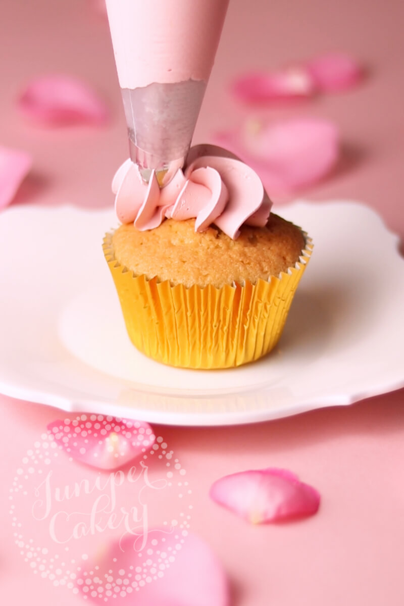 How to pipe a Rose cupcake by Juniper Cakery