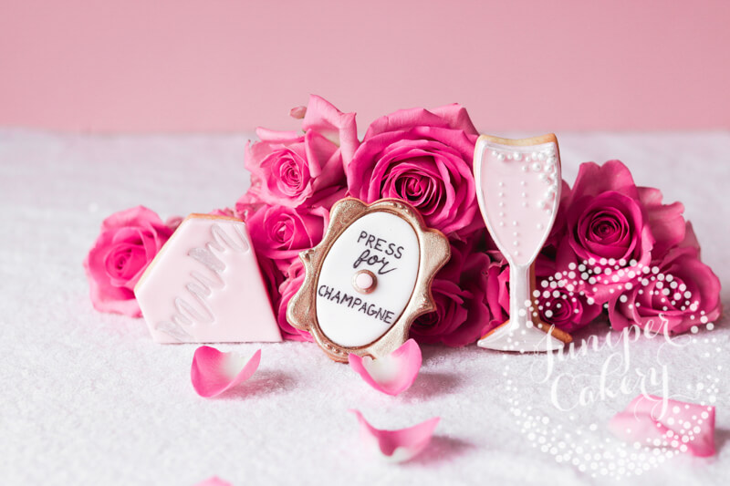 Chic Mother's Day cookies by Juniper Cakery