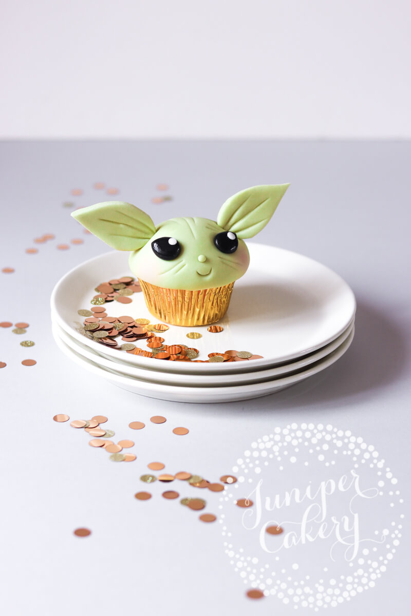 Easy Star Wars cupcake tutorial by Juniper Cakery