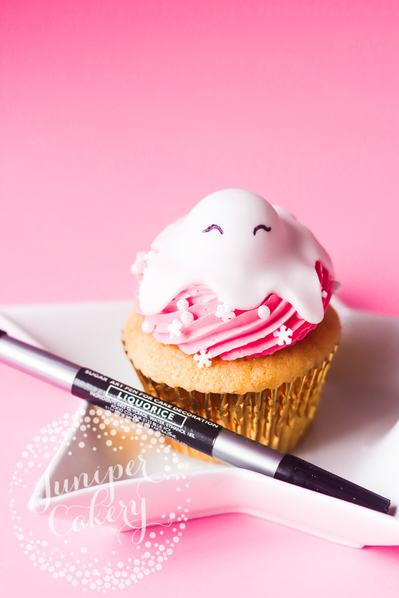 Fun cupcake tutorial for Christmas by Juniper Cakery