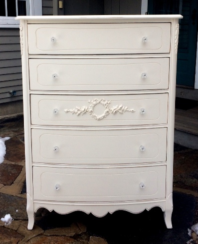 Shabby chic white painted chest of drawers bureau