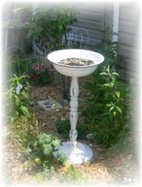A Unique Bird Bath - JUNKMARKET Style