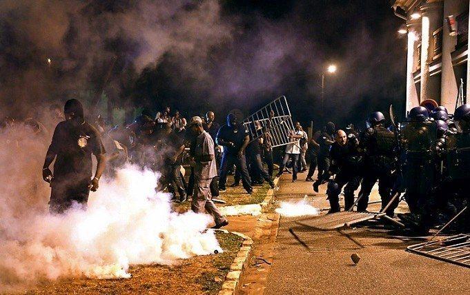Guyane : Emmanuel Macron accueilli par des manifestations 29