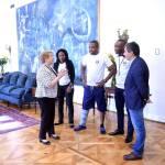 Richard Joseph, rencontre la présidente chilienne Michelle Bachelet après son acte héroïque 33