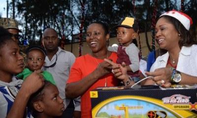 Pour les festivités de fin d'année: La Première Dame comble les enfants de cadeaux 38