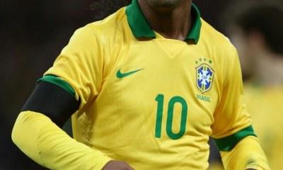 Ronaldinho fait son entrée sur le terrain de la politique 44