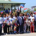 Jovenel Moïse accueille chaleureusement les Grenadières 33