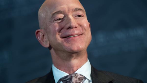 Jeff Bezos gagne 13 milliards de dollars en une journée