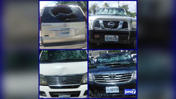 Huit pare-brises de véhicules cassés à la Cour des comptes