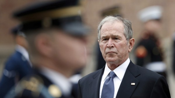 """""""Il est temps que l'Amérique examine nos échecs tragiques, """" écrit George W. Bush"""