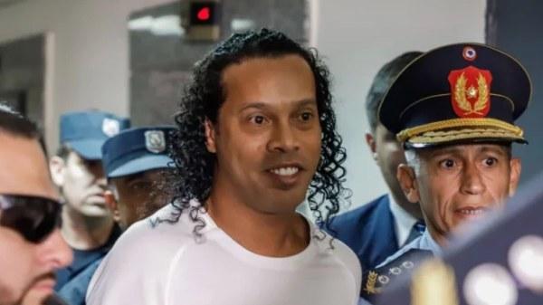 Ronaldinho enfin libéré