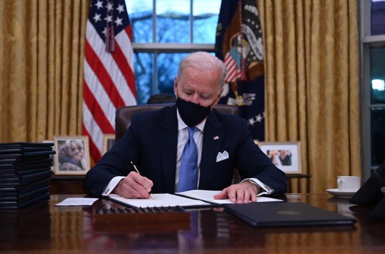 Joe Biden suspend les expulsions des États-Unis pendant 100 jours
