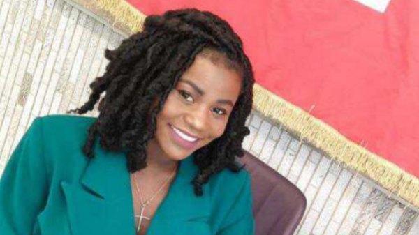 """Aidez Neïssa Parfait à devenir """"Miss Africa Russia"""", votez pour elle"""
