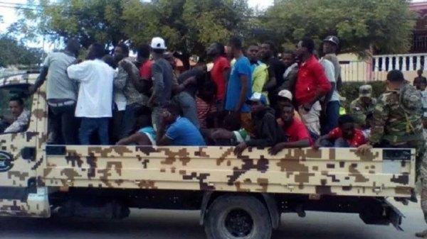 République Dominicaine: Au moins 200 mille haïtiens rapatriés en Haïti en deux mois