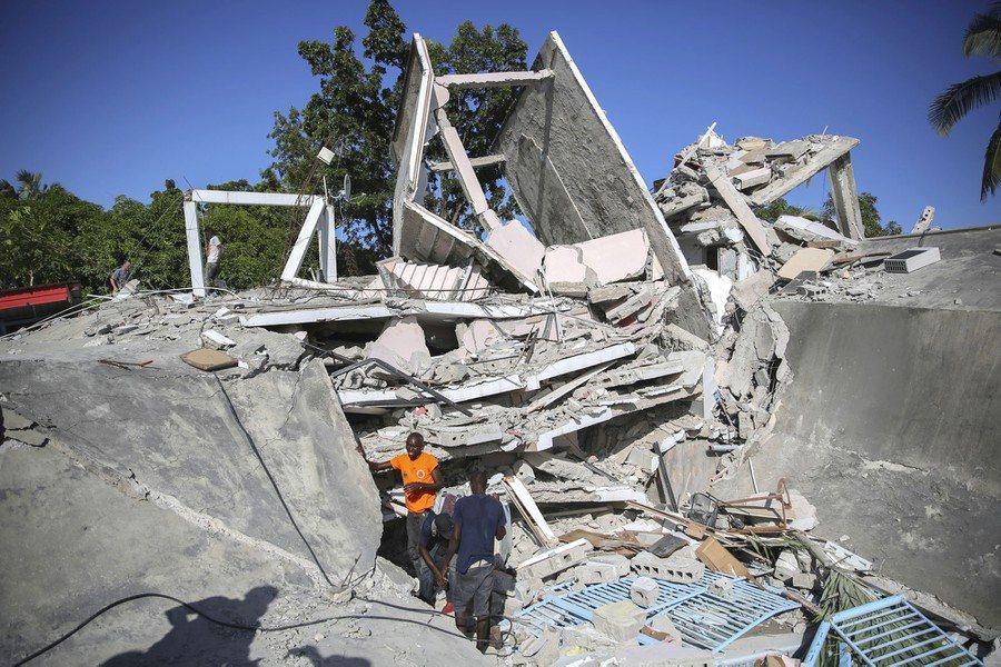 Séisme - Haïti: 2189 morts, 332 disparus et plus de 12000 blessés