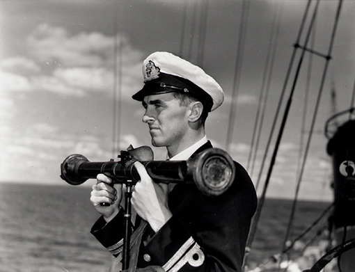 Lieutenant Ralph L. Hennessy, RCN, on destroyer HMCS Assiniboine, circa September 1940. Hennessy enjoyed a brilliant career in the RCN from 1936 to 1970. He was awarded the Distinguished Service Cross for the sinking of U-210 in August 1942.