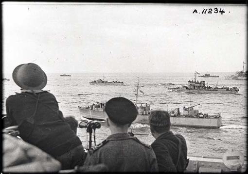 Une partie de la flotte d'assaut assemblée pour l'opération Jubilee.